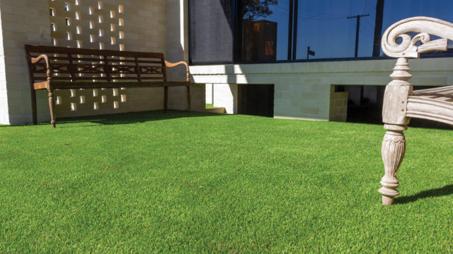 How to lay synthetic turf